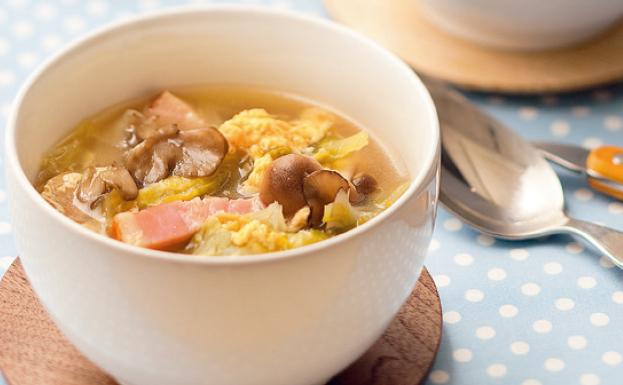 きのこ 卵 スープ